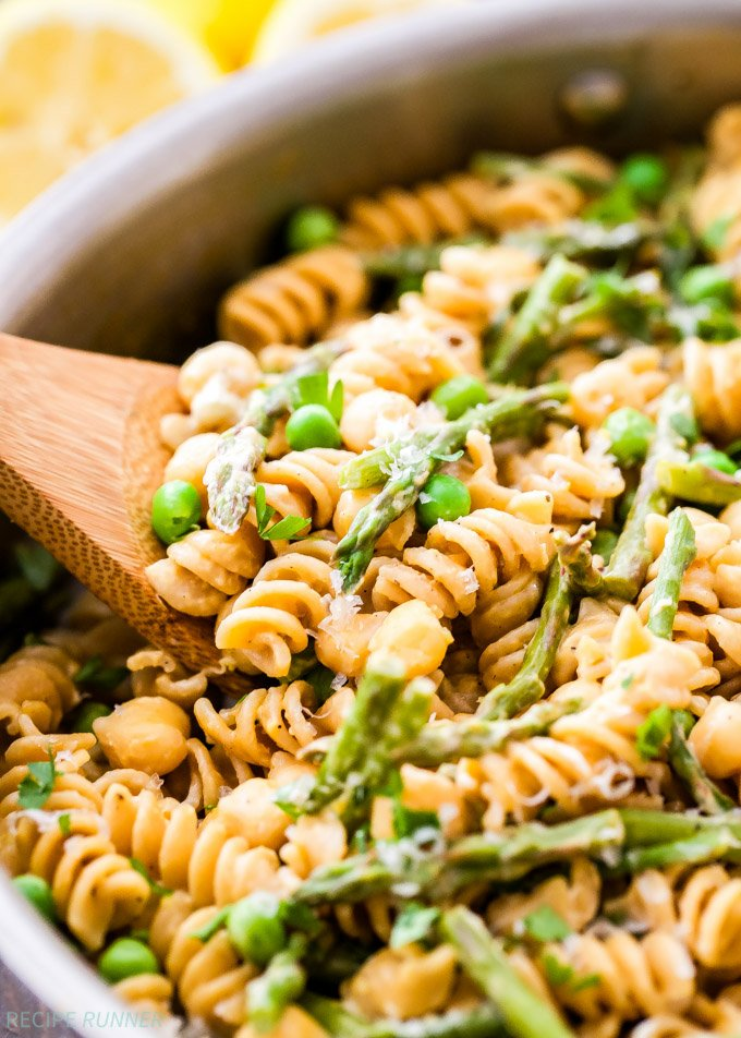 One Pot Creamy Lemon Goat Cheese Pasta with Chickpeas and ...