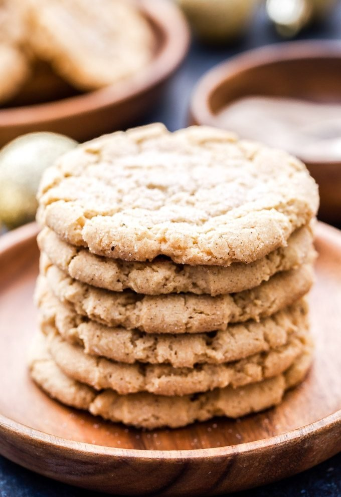 Chewy sugar cookies all dressed up for the holidays! Crisp edges, soft and chewy in the middle and plenty of chai-spice. These Chewy Chai-Spice Sugar Cookies are perfection!