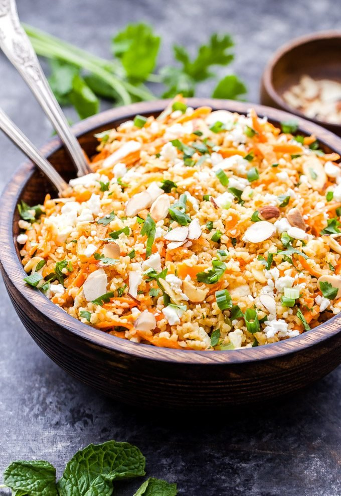 So many bright, fresh flavors in this Mediterranean Bulgur Salad with Carrots, Almonds and Feta! It's so good you'll be going back for seconds and thirds! #salad #healthyrecipe #bulgur #carrots #mediterraneandiet