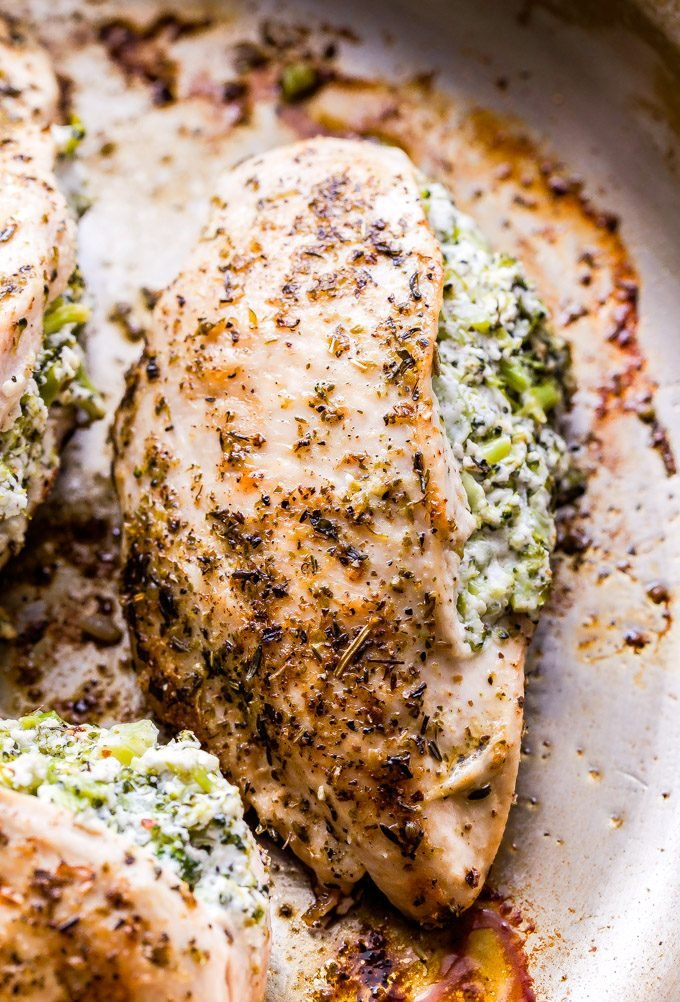 Broccoli Goat Cheese Stuffed Chicken not only looks and tastes impressive, but it's easy to make too! It's a great way to jazz up those boring old chicken breasts. #chicken #chickenbreasts #goatcheese #broccoli #glutenfree #dinner #mealprep #lowcarb