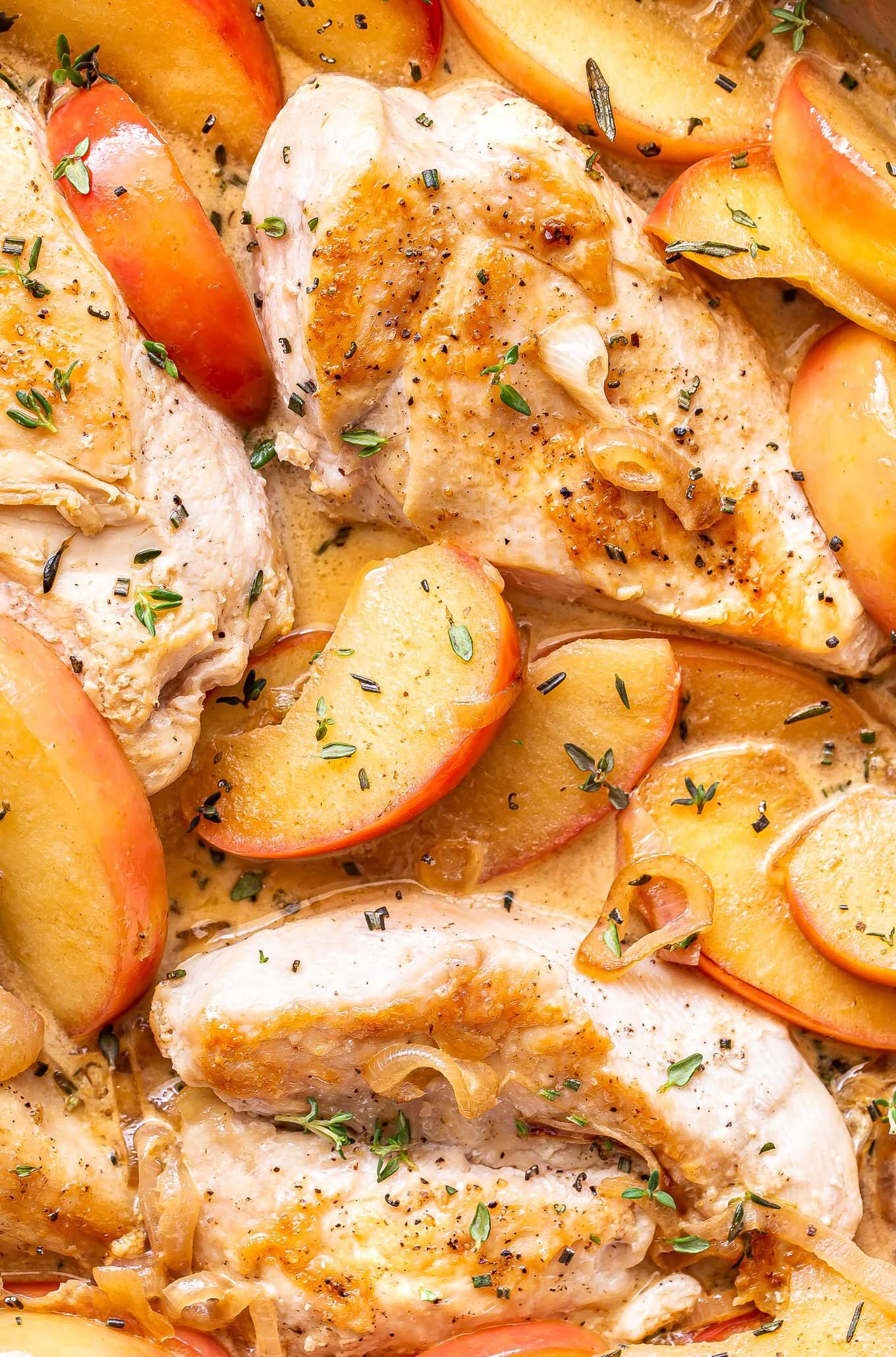 closeup photo of Apple cider chicken